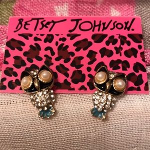 Betsey Johnson Owl Earrings 🦉